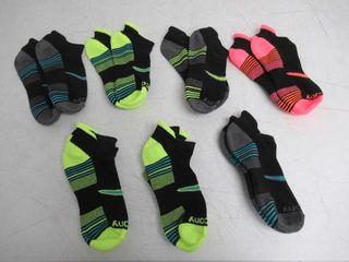 7 Pairs Saucony Women s Shoe Size  5 10