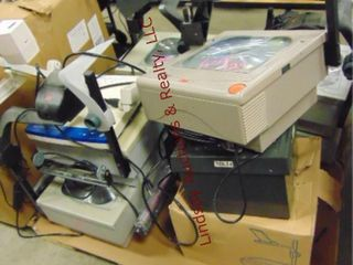 Pallet of overhead projectors approx 9