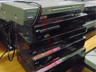 4 dvd vhs players   1 dvd video player