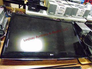 lG flat screen tv 46  w  mount