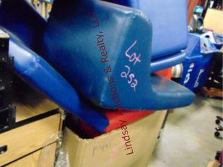 Box w  l shaped cushions
