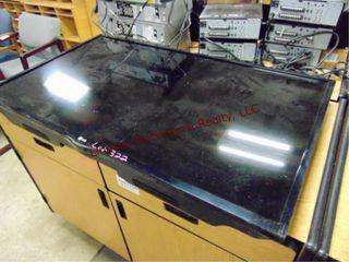 lG 46  Flat screen tv