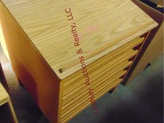Podium cabinet w  pullout shelves 29 x 27 x 36