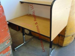 1 privacy testing desk 38 x 28 x 44