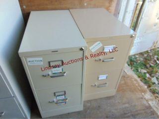 2 metal 2 drawer file cabinets 1  15 x28 5 x29