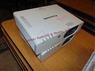 2 Panasonic FW430 WxGA projectors