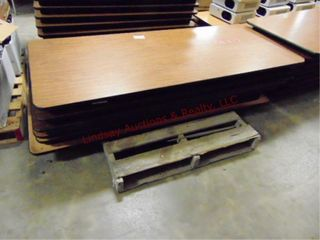 1 pallet w  6 folding tables 72 x 30
