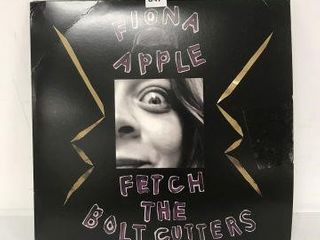 FIONA APPlE FETCH THE BOlT CUTTERS RECORD AlBUM
