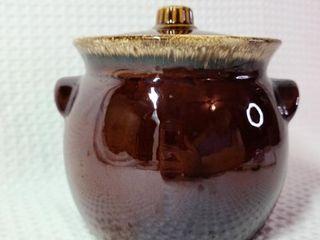 Hull Pottery Brown Drip Bean Pot Crock
