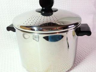 Faberware 8 Quart Stock Pot With Locking Lid