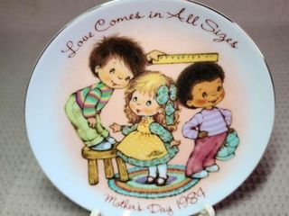 Avon Mother's Day Plate 1984