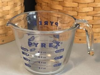 Pyrex Measuring Cup - Blue Graphics