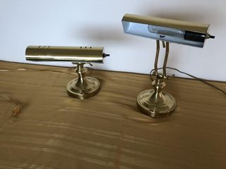 2 brass desk lamps, 1 has a crack in base