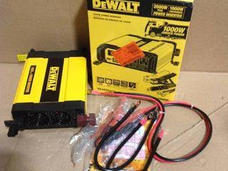DEWALT 1000-Watt Power Inverter in good condition
