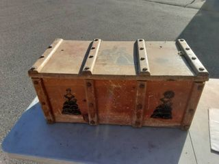 Wood Toy Box With Victorian Silhouttes 30x15x14