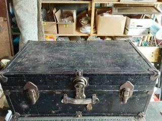 Vintage Trunk 30x17x13