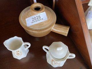 Stoneware Bean Pot & Lipton Cream & Sugar Set