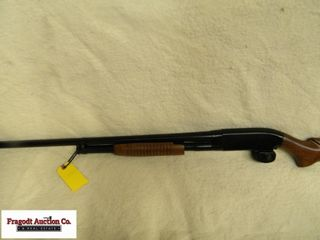 Winchester Model 12 Heavy Duck 3? 12 gauge. Has ha