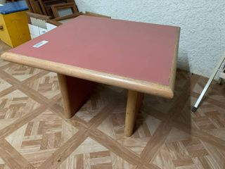 Brown and Pink Desk Table   23 5  W X 16  T