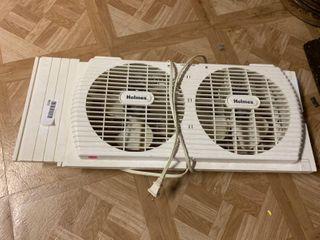 Window Fan   22  x 10  T   Works