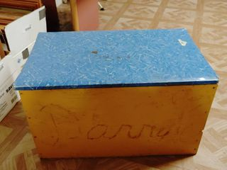 Wooden Toy Chest With lid   22  x 13  x 12  T