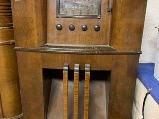 Vintage Crosley Tall Brown Radio   29  x 13  x 43  T   Works but Scratches