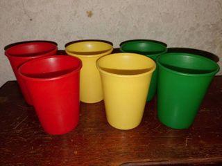 lot of 6 Aladdin Plastic Cups   6  Tall