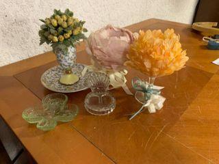 lot of 5 Home Decor Items   Shell Ring Holder  Clover Ring Holder  3 Flower Dishes