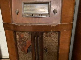 Vintage Silvertone large Brown Radio   24  x 37  T   Hole in Fabric   No Sound