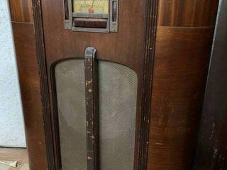 Vintage GE large Brown Radio   26  x 37  T   Works