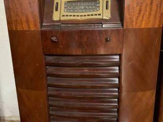 Vintage GE large Dark Brown Radio   31  x 42  T   Dial Doesn t Work