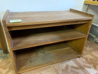Brown 3 Tier Shelf   31  x 21  T
