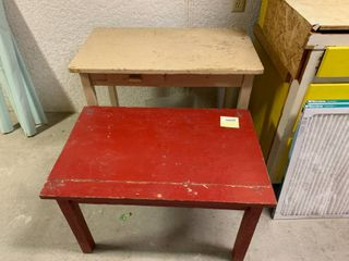 lot of 2 Tables   Red Table   30  x 20  T   Tan Table   24  x 3  T