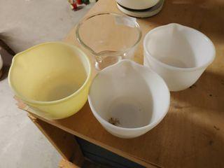 lot of 4 Mixing Juicing Bowls