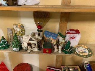 large lot of Christmas Themed Decor Items   lot 1 of 2