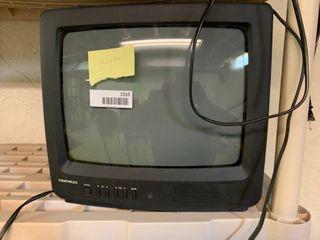 Vintage Daewoo Television   Turns On