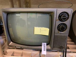 Vintage Montgomery Ward Television   Turns On
