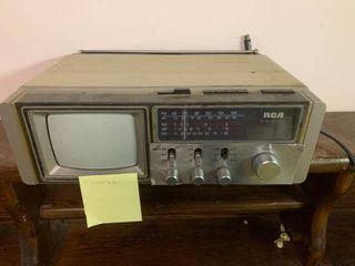 Vintage RCA AM FM Radio   Analog TV   Turns On