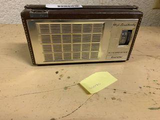 Vintage High Sensitivity 10 Transistor Browni Radio   Cowhide leather Siding   Turns On