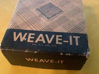 Weave It loom in Box with Needle   3  x 3