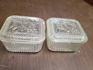 lot of 2 Square Refrigerator Glass Containers With lids   5  x 3  T   Some Chips
