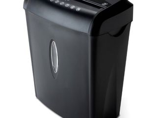 Pen + Gear 6-sheet Crosscut Paper/Credit Card Shredder