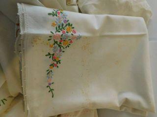 Vintage linens lot