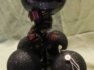 Goblet   Black Ornaments  4 ea