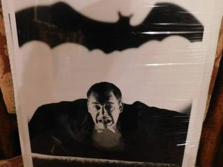Black   White lon Chaney as Dracula Print