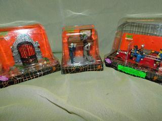Spooky Town Figurines (3 ea)