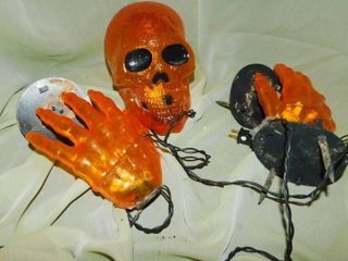 light Up Skeletal Head   Hands