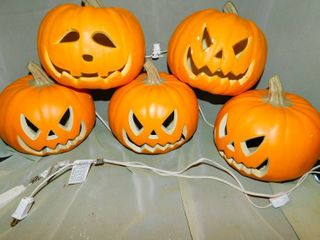 String of light Up Pumpkins