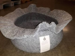 Front Pet Felt Cat Bed