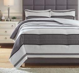 Signature Design by Ashley Masako Black Cream Queen Comforter